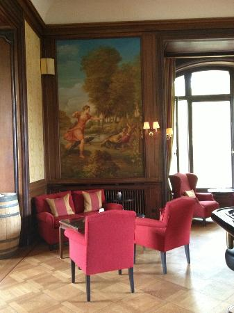 Villa Rothschild Kempinski: Bar area