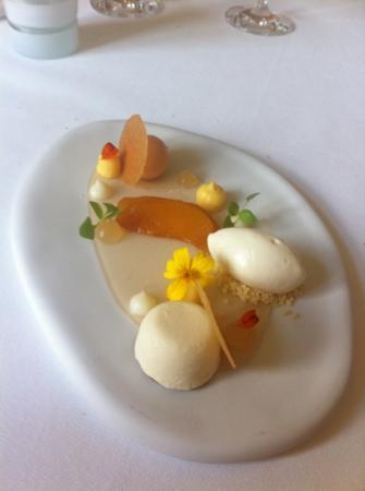 Innesto: dessert witte perzik....