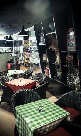 Les Sapins 60: Bar Café downstairs
