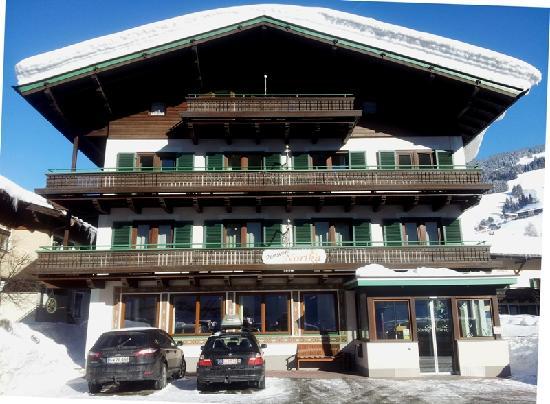 Pension Norika: Winter Haus Außenansicht