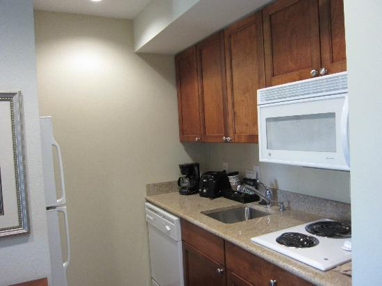 Homewood Suites by Hilton Albany : Full kitchen area.