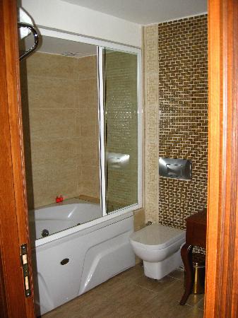 Villa Pasha Hotel: il bagno