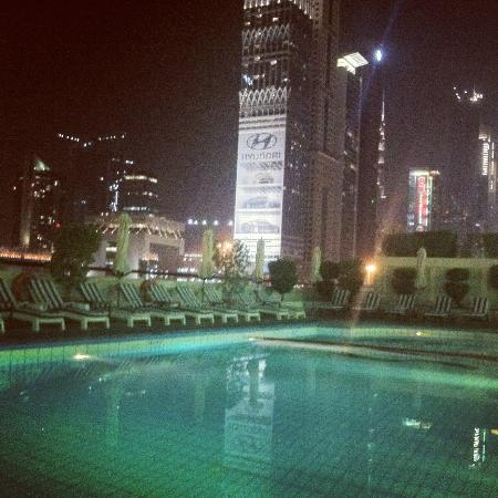 Crowne Plaza Hotel Dubai: Swimming Pool