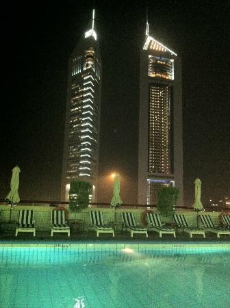 Crowne Plaza Dubai: Swimming Pool