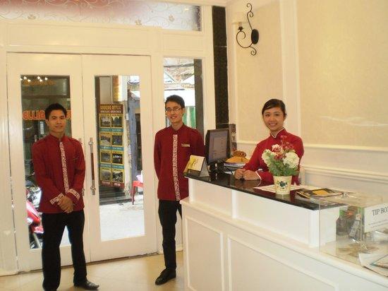 Calypso Suites Hotel: Excellent staff
