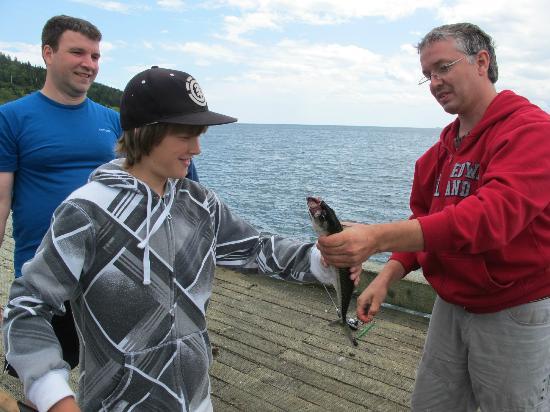Camping Des-Rosiers : Pêche à Grande-Grave