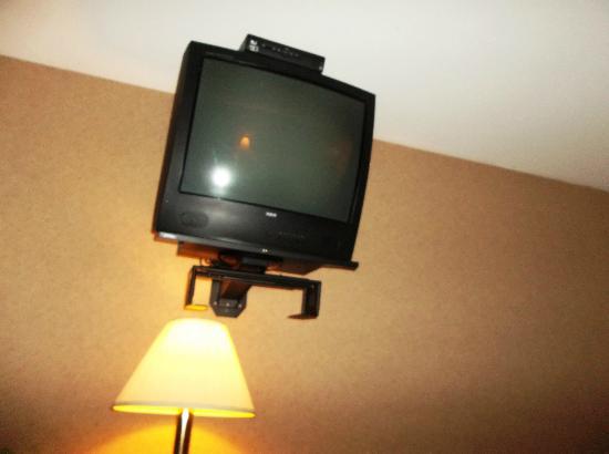 Glen Iris Inn: TV in room