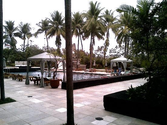 Four Seasons Hotel Jakarta: Pool