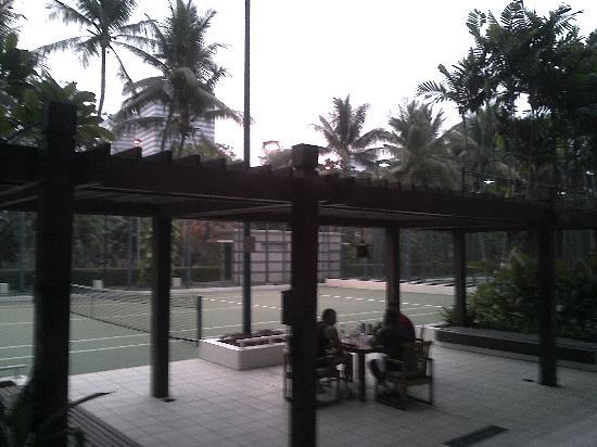 Four Seasons Hotel Jakarta: Tennis courts x 2