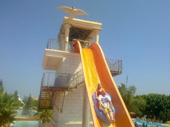 WaterWorld Su Parkı: the face says it all