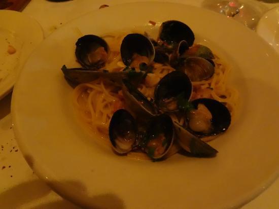 Po: 1/2 of Linguini Vongole
