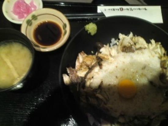 Kurobuta&Jidoriryori Satsuma Toriton: 鯖とろろ丼