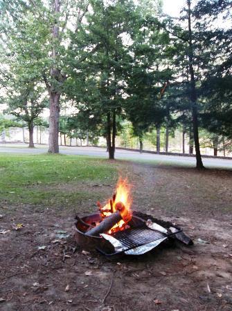 Glen Iris Inn: The campfire pit