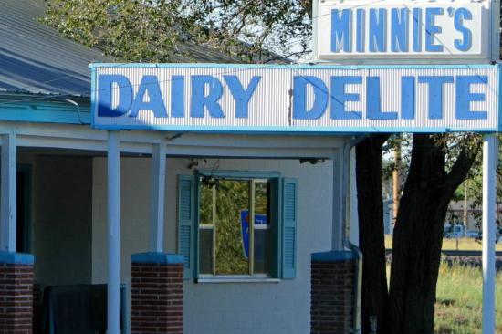 Minnie S Dairy Delite Closed Main St Springer Nm