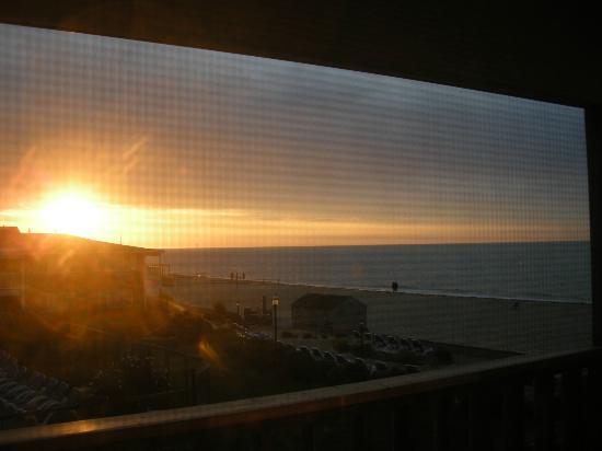 Riviera Beach Resort : Sunrise