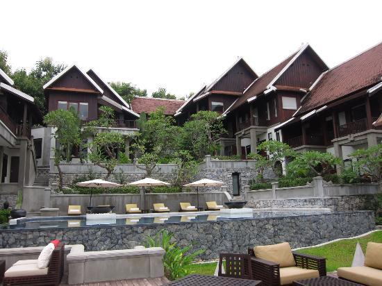 Kiridara Luang Prabang: レストランデッキから見たホテル外観