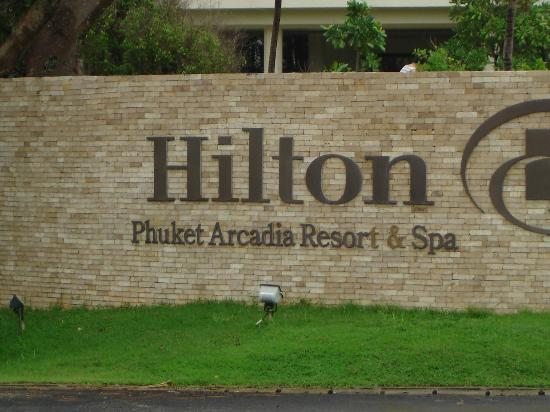 Hilton Phuket Arcadia Resort & Spa: Entrance