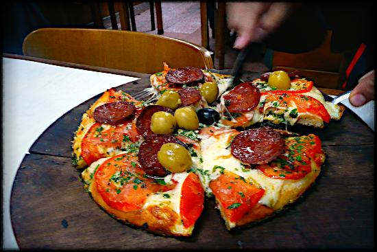 Ρεκολέτα: Pizza at the famed El Cuartito