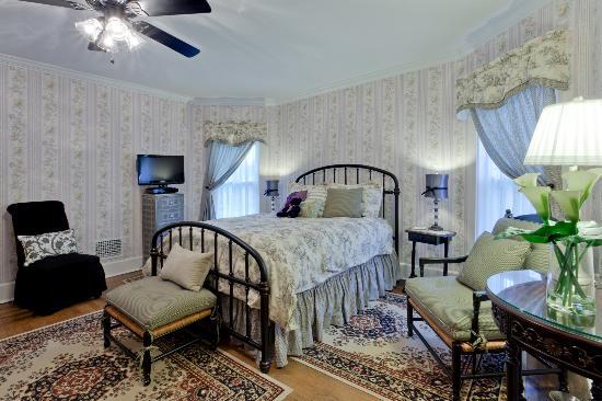 The Garver House Bed & Breakfast: Strasburg mini suite