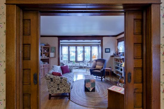 The Garver House Bed & Breakfast : View of living room and sun-room from dining room