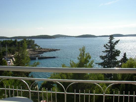 بودستاين هوتل: This is the view that greeted us on arrival 