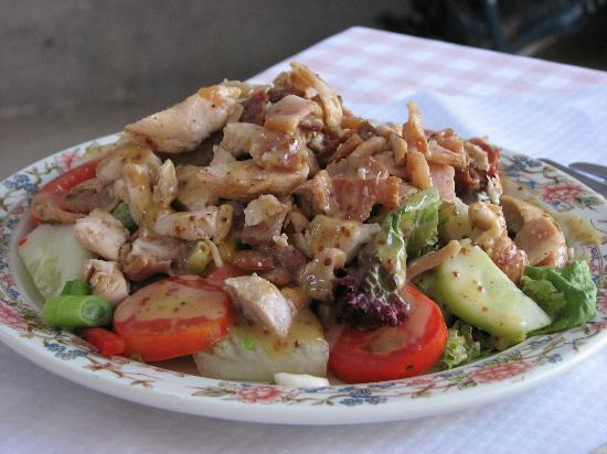 Mrs Murphy's Kitchen: Warm chicken and bacon salad, comes with bread and butter aside.