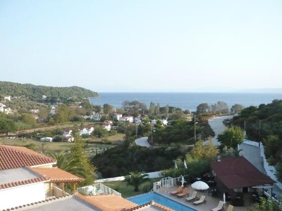 Zorbas In Town Family Studios: View from our Room over Agia Paraskevi