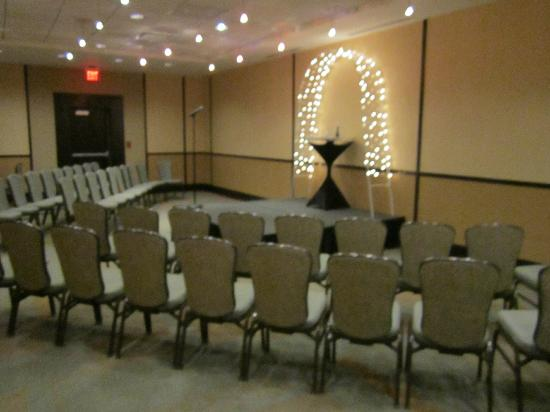 Crowne Plaza Lombard Downers Grove: East Plains Parlor - Wedding Ceremony
