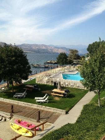 Campbell's Resort on Lake Chelan: Uplake view from balcony in room 3253