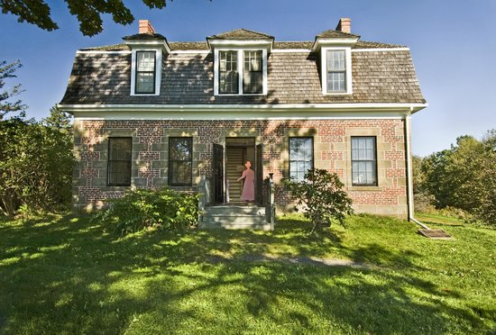 McCulloch House Museum & Genealogy Centre: McCulloch House Museum