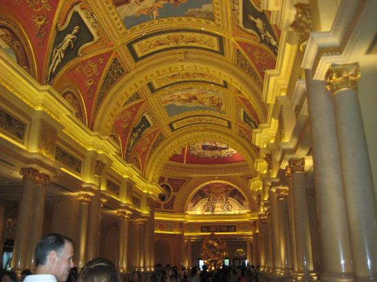 The Venetian Macao Resort Hotel: Grand lobby entrance