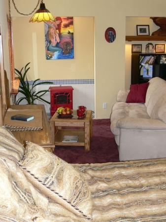 Alaska Home Fishing B&B Lodge: King Suite