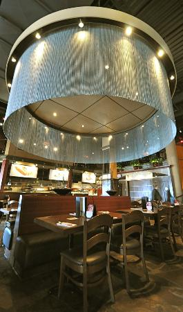 Casey's Grill Bar in Boucherville : Dining Room View