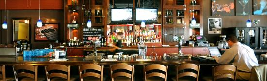 Casey's Grill Bar in Boucherville : Casey's Bar