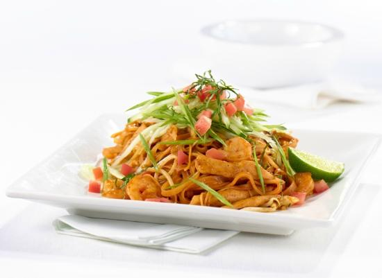 Casey's Grill Bar in Boucherville : Singapore Street Noodles