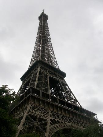 La Croix du Vieux Pont: Eiffel Tower