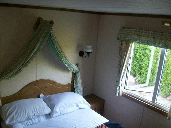 La Croix du Vieux Pont: Our room =/