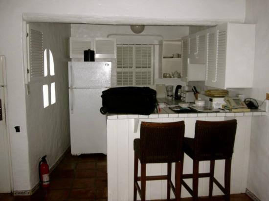 Windjammer Landing Villa Beach Resort : kitchen