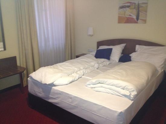 Best Western Savoy Hotel: Zimmer