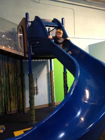 Great Lakes Children's Museum: Indoor Slide