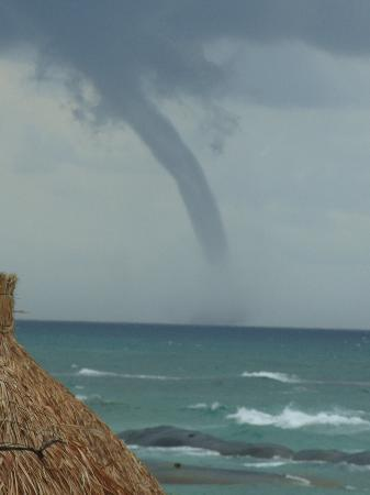 Grand Bahia Principe Tulum: dramatic storm pictures