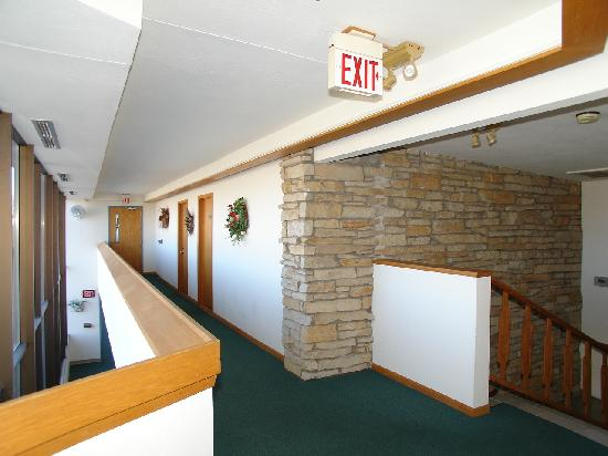 Forty Winks Inn: second floor hall and stairs
