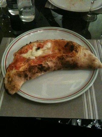 Il Forno Di Napoli - Trattoria Napoletana: calzone rosso