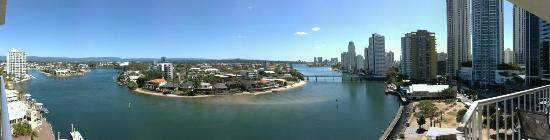 Moorings on Cavill Avenue: Panaromic view of Chevron Island from the room