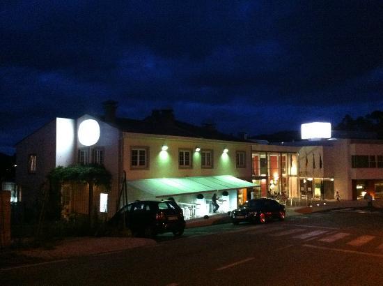 Nito: restaurante por la noche