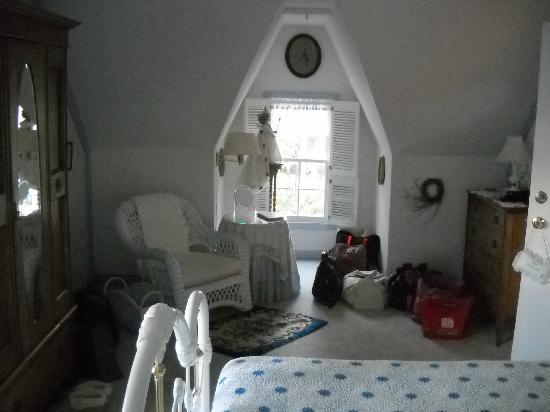 Tiffany House: Room