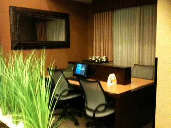 Comfort Suites: Computer
