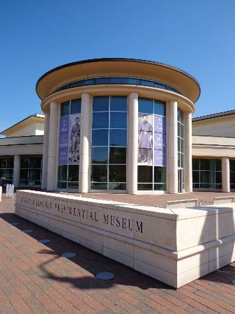 Microtel Inn & Suites by Wyndham Springfield: Abraham Lincoln Presidential Museum