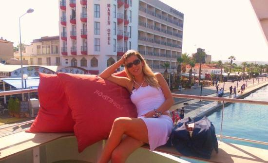 Arora Hotel: .