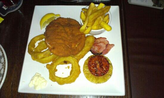 Kilmarnock Arms Hotel: Chicken Maryland - Yummy!